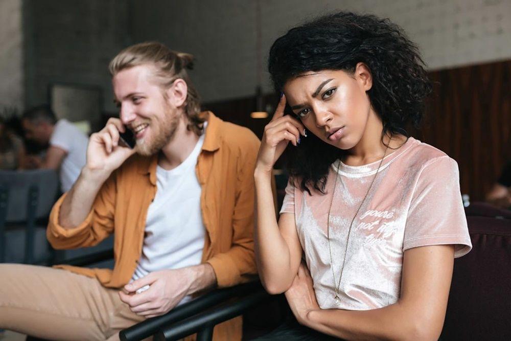 5 Alasan Kenapa Cewek Suka Mengetes Kesetiaan Pacar