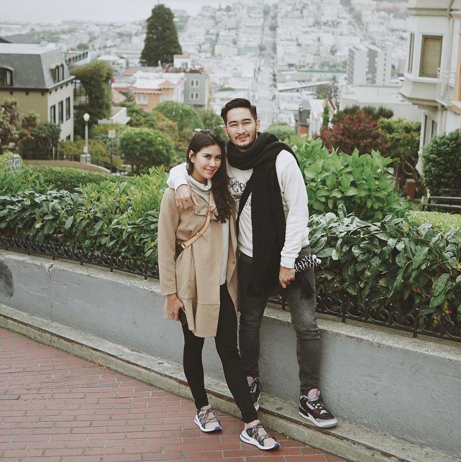 Honeymoon ke Amrik, 5 Gaya Syahnaz Sadiqah Ini Sukses Mencuri Perhatian