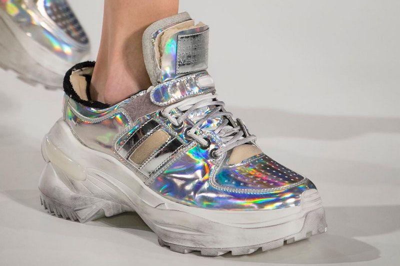 7 Sneakers yang akan Trend Di Tahun 2018!
