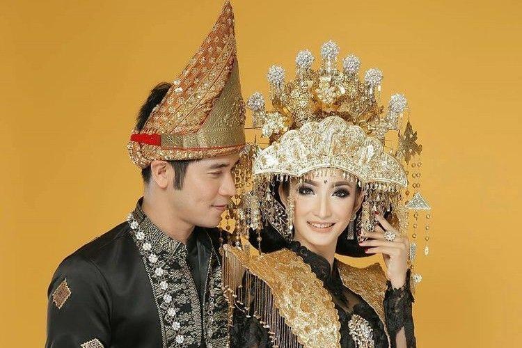 6 Artis Indonesia Ini Memilih Menikah dengan Adat Palembang