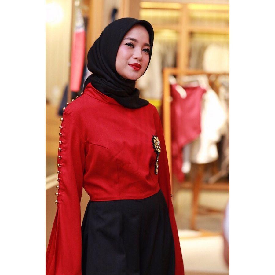 Pakai Hijab, Penampilan Chacha Frederica Makin Elegan