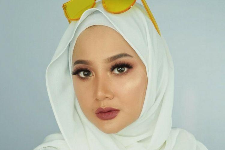 7 Beauty Vlogger Berhijab yang Videonya  Wajib Kamu Simak