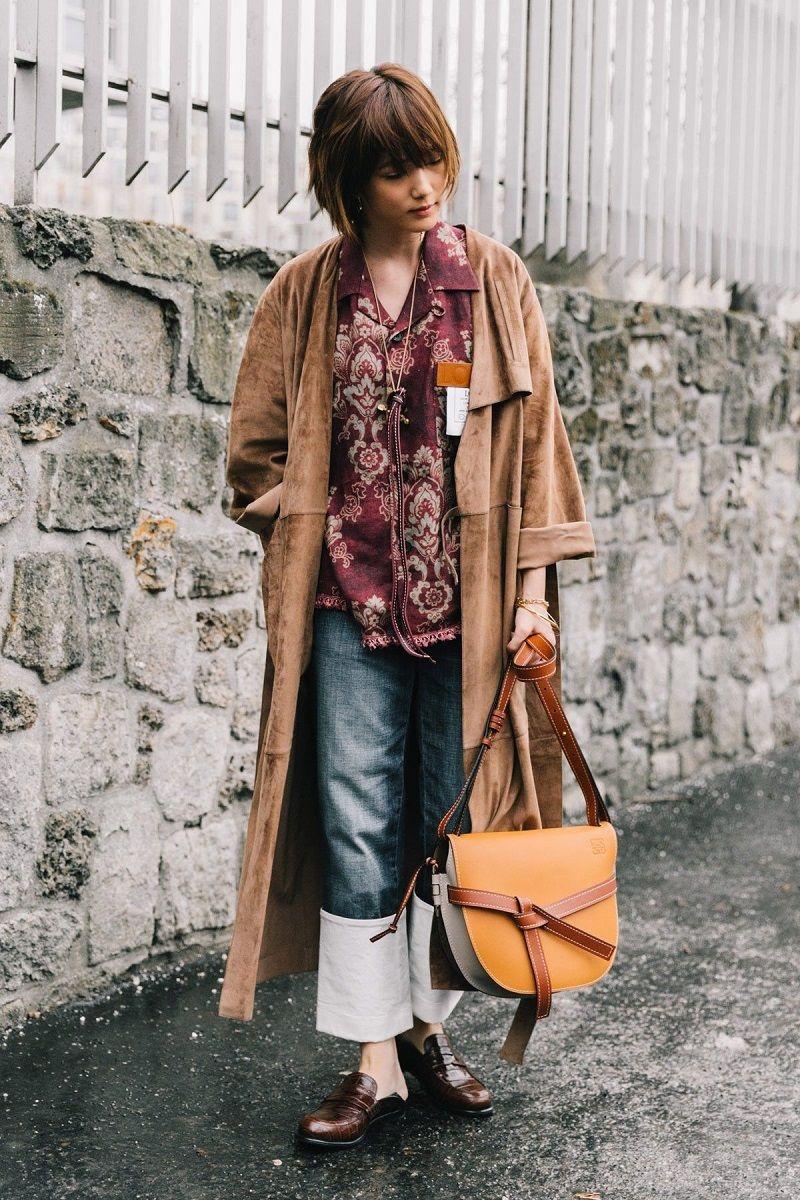Coba Tampil Lebih Calm, dengan Outfit Warna Earthy Tone Yuk
