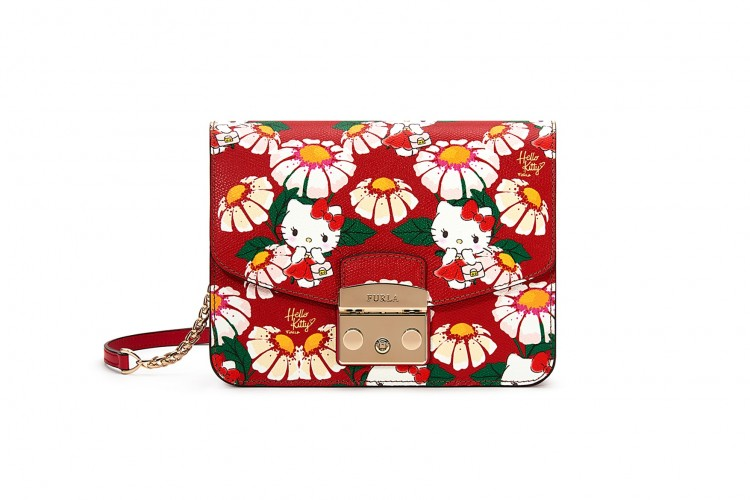 Intip Koleksi Tas Furla dan Hello Kitty yang Kawaii~
