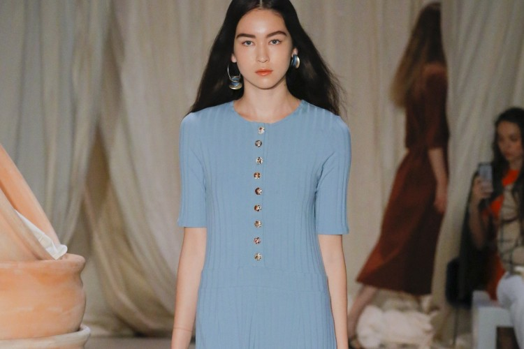 Trend Busana Warna Pastel di Australia Fashion Week Resort 2019