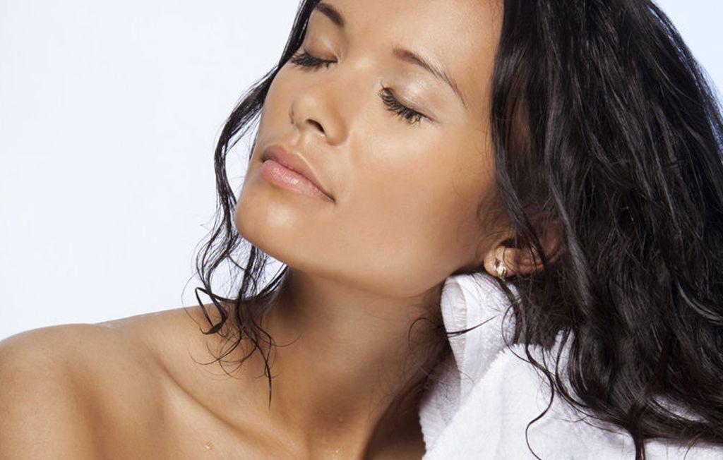 5 Kebiasaan Ini Ternyata Bisa Memicu Rambut Menjadi Tipis