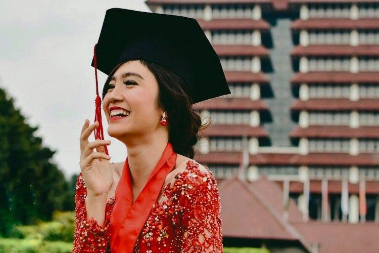 Ini 7 Seleb Indonesia yang Lulus di Tahun 2018