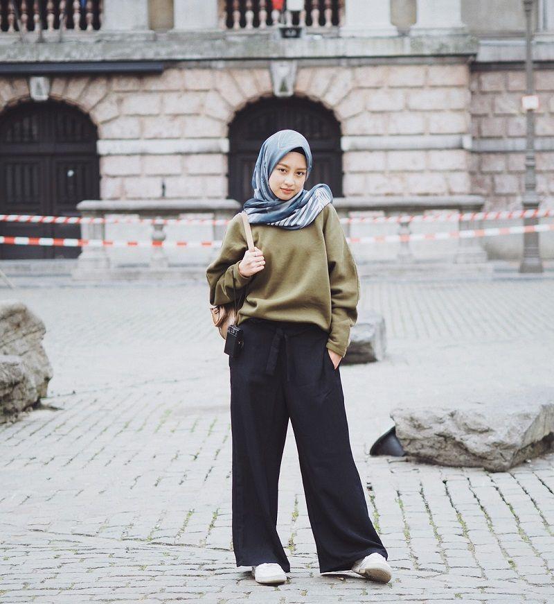 Inspirasi Gaya Hijab di Bulan Ramadan a la YouTuber Gita Savitri