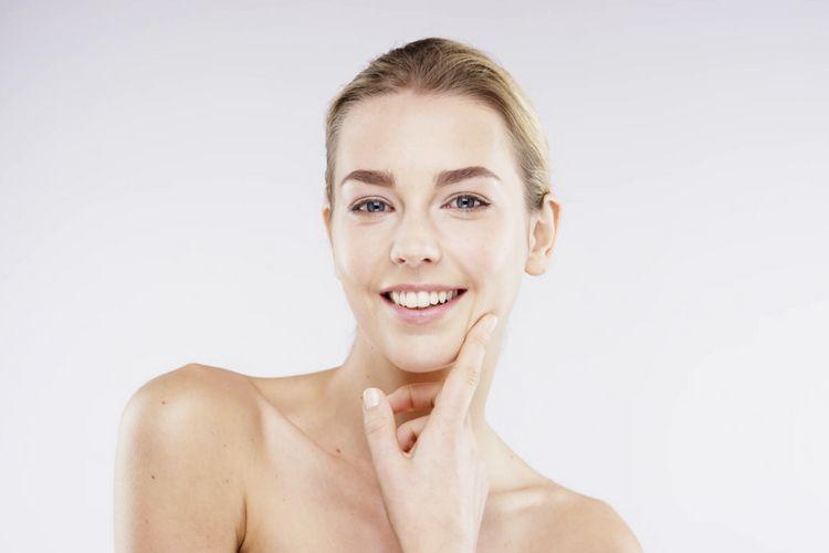 , 5 Hal Ini Bisa Jadi Penyebab Kenapa Kulit Wajahmu Terasa Kering, Noura Beauty