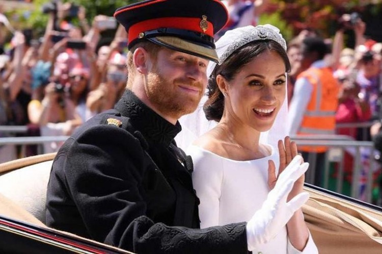 Kreatif, Tamu Royal Wedding Jual Lagi Suvenir dengan Harga Fantastis