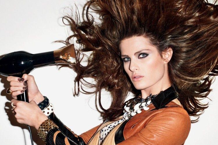7 Kesalahan Blow Dry yang Paling Sering Dilakukan dengan Hair Dryer 5c3588ad66