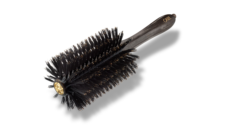 7 Kesalahan Blow Dry yang Paling Sering Dilakukan dengan Hair Dryer