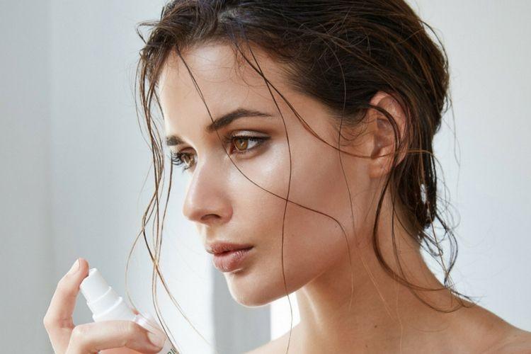 Ini Lho 5 Produk Skincare yang Harus Dibawa Saat Travelling