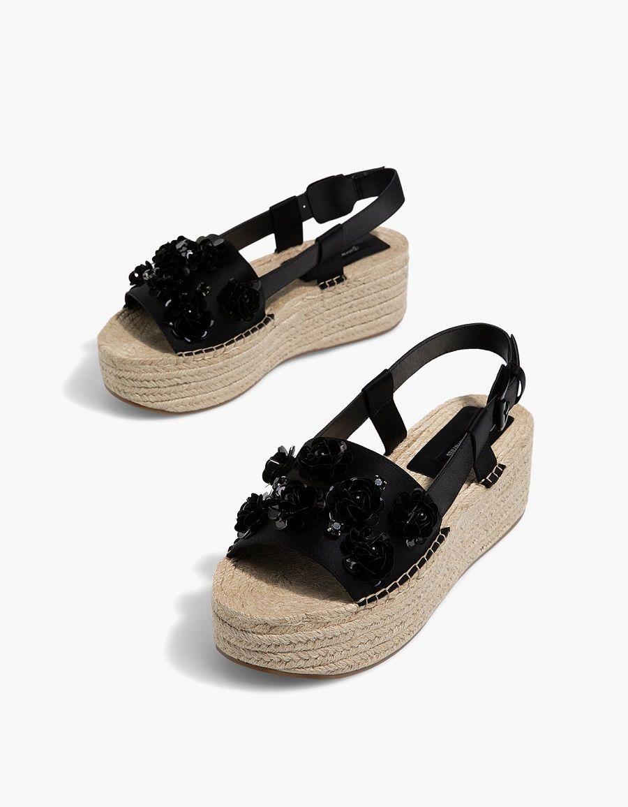 Deretan Sepatu Cantik untuk Dikenakan saat Lebaran