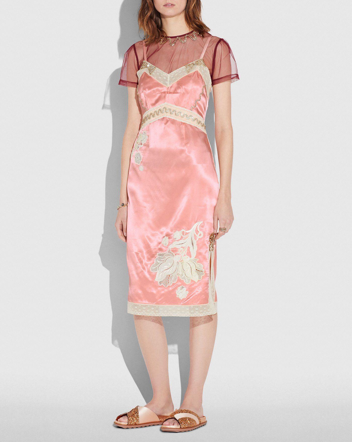 #PopbelaOOTD: Tampil Playful dengan Slip Dress
