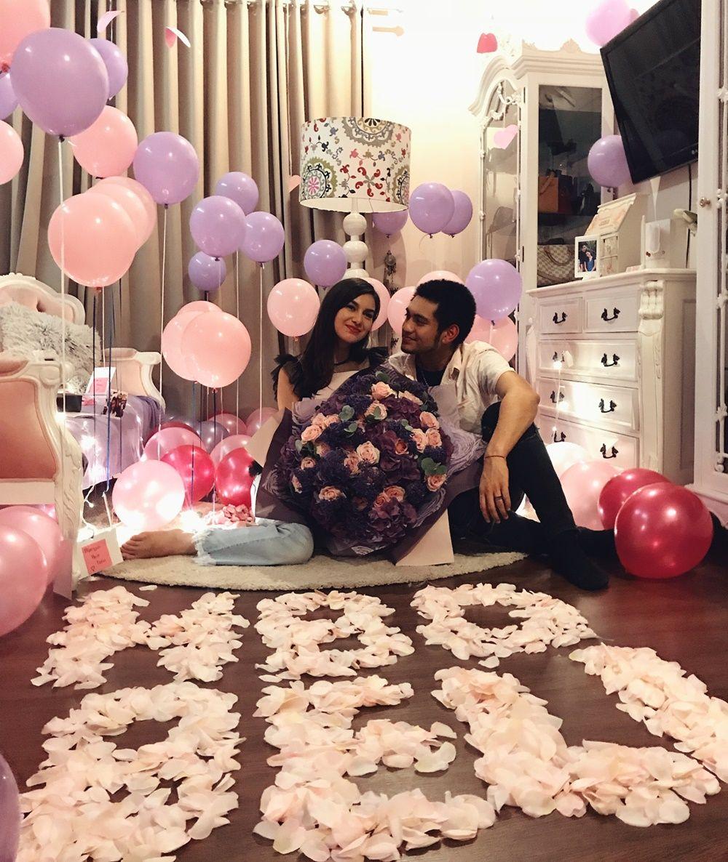 Romantis Ini Gaya 7 Artis Indonesia Saat Merayakan Ulang Tahun Pacar