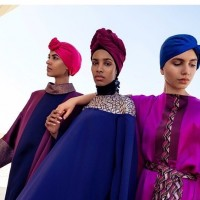 Gaya Hijab Dubai untuk Inspirasi Gaya Lebaran Glamor