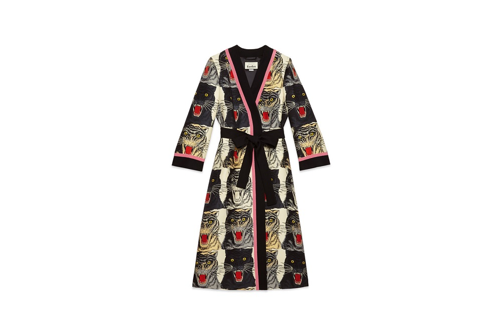 https-hypebeastcom-wp-content-blogsdir-6-files-2018-06-gucci-garden-isabella-cotier-collaboration-capsule-sweaters-leather-handbags-floral-pyjama-18-4fa5a94e74a85cd8774148bc12311fed.jpg