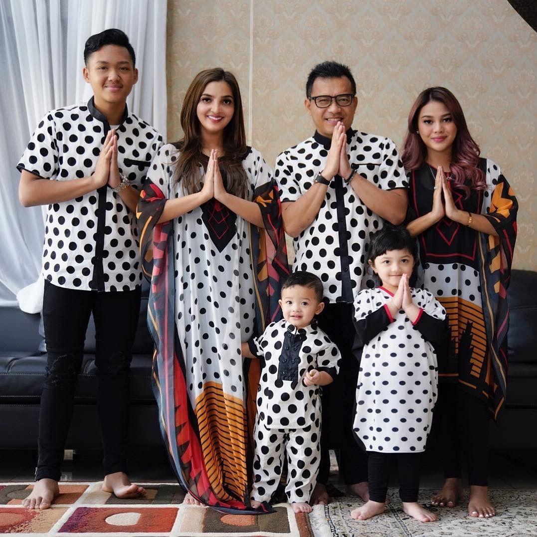 Baju Batik Ala Artis: Intip Tema Baju Lebaran Para Artis Di Hari Raya