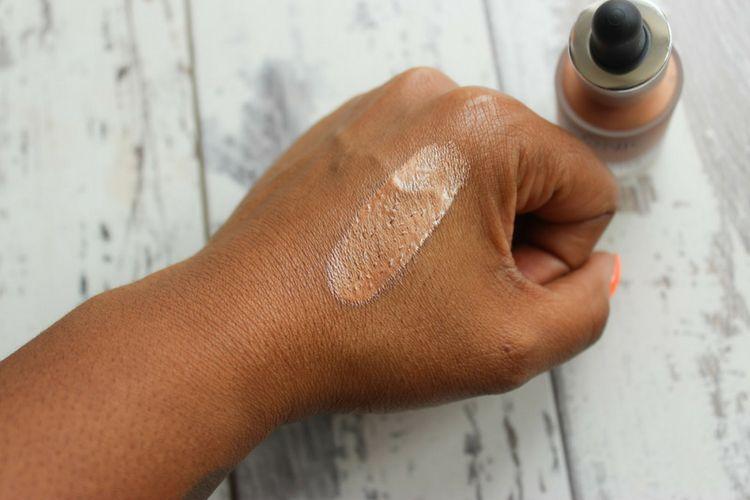 Kembali ke Kantor dengan 7 Tips Makeup Ini Yuk!