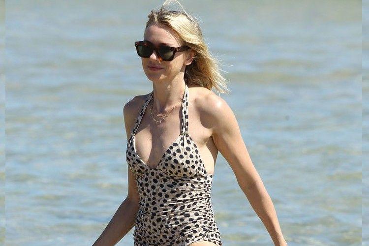 Umur Diatas 40 Tahun, Para Seleb ini Masih Pede Memakai Bikini