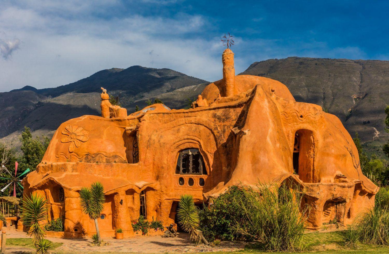 10 Bangunan Berbentuk Nggak Biasa Ini Dijamin Menarik Perhatianmu