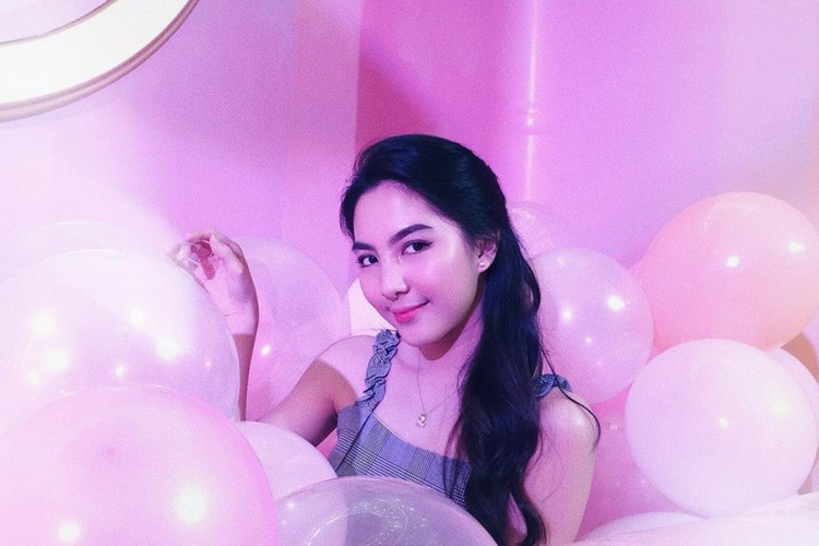 Tampil Manis dan Romantis dengan Tutorial Pink Makeup Ini Yuk!