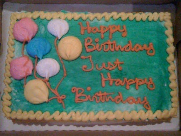 Bukannya Bahagia, 10 Desain Kue yang Gagal ini Bikin Kecewa