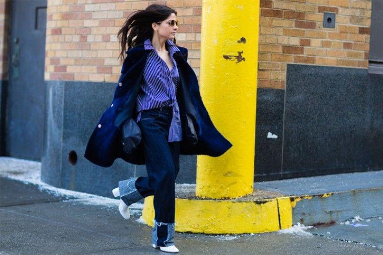 7 Trik Tampil Sekeren Street Style Star Saat Mengenakan Outfit Denim