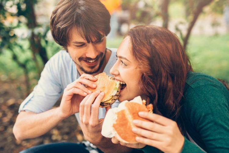 Menurut Psikolog, Begini Cara Mencegah Pasangan Selingkuh