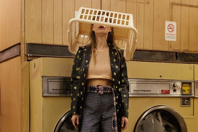 No Laundry! 5 Alasan Kenapa Kamu Harus Cuci Baju Sendiri