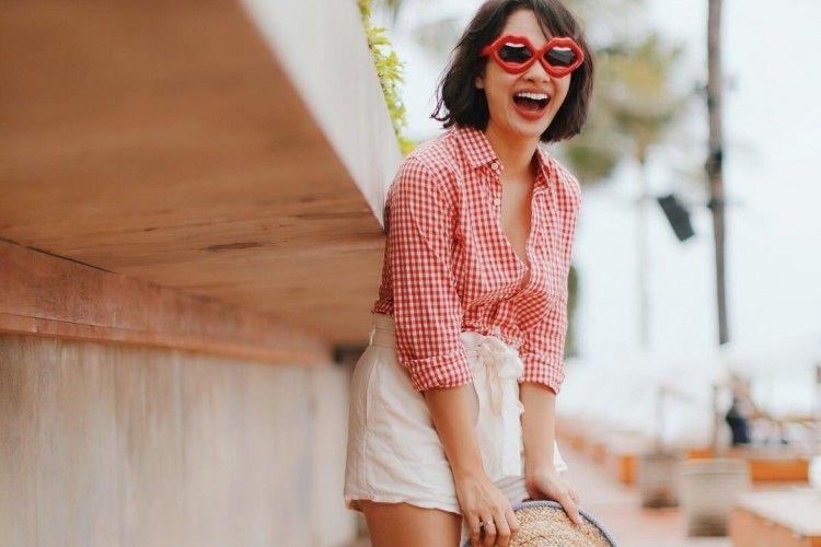 Koleksi Kacamata Trendi untuk Liburan Musim Panas