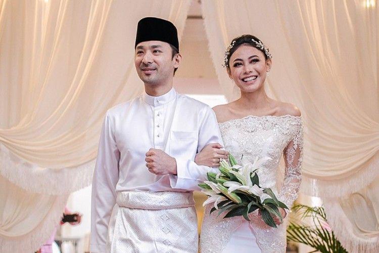Hari Baik, 11 Pasangan Seleb Ini Menikah di Tanggal yang Sama