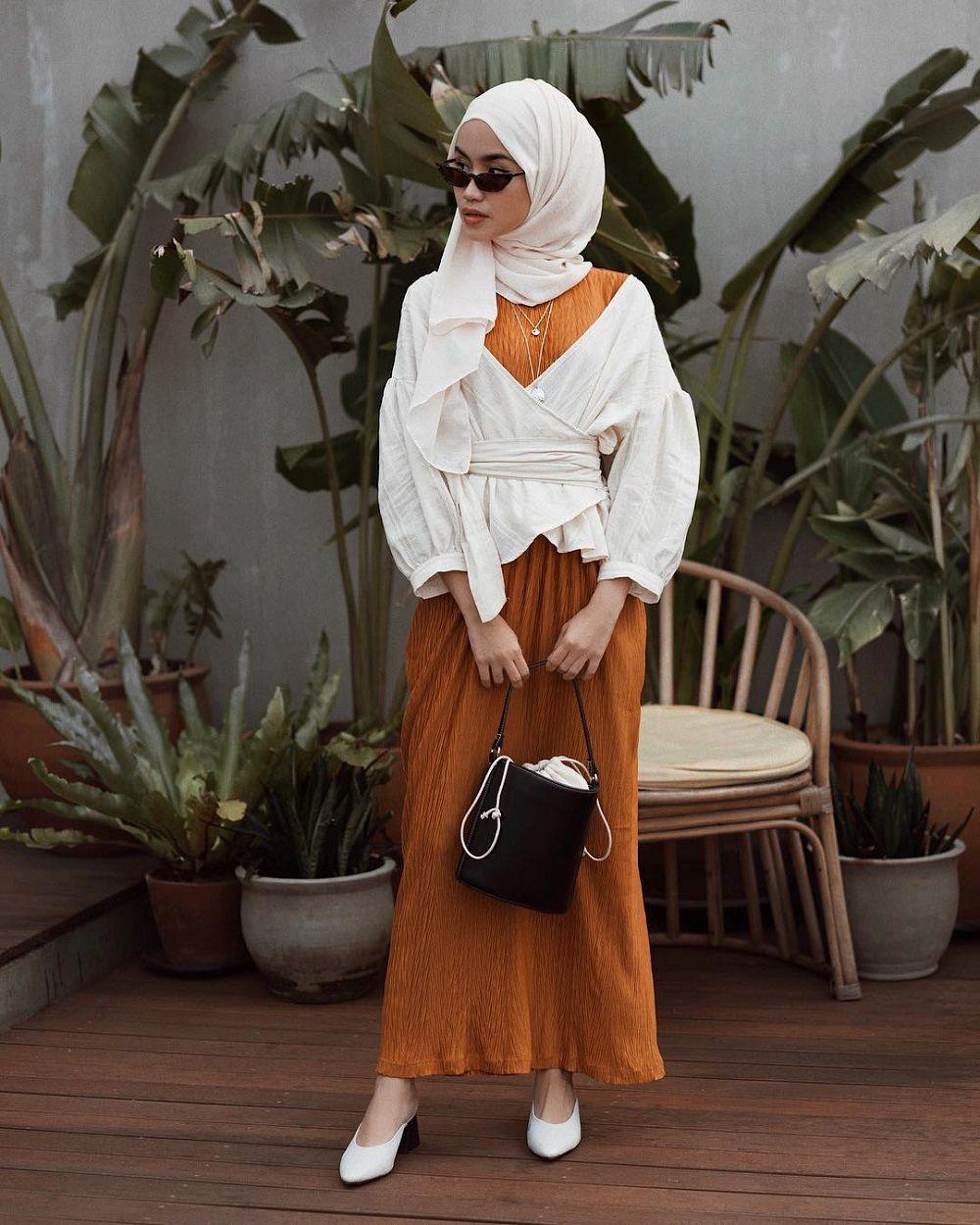 Tips Padu Padan Outfit Warna Earthy Tone yang Cocok Untuk Millennials