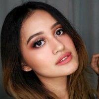 5 Tutorial Makeup ke Kantor a la Beauty Vlogger yang Bisa Kamu Coba