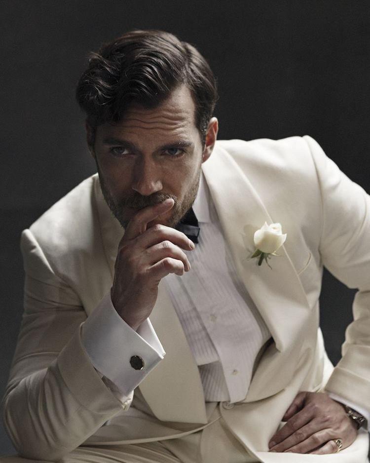 Jadi Aktor yang Digilai Wanita, Ini 7 Fakta Unik Henry Cavill