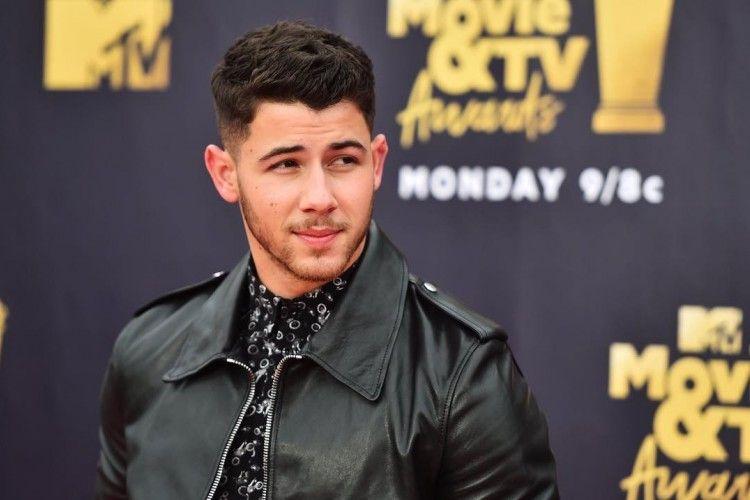 Dari Buku Hingga Lagu Favorit, Ini 7 'Fun Facts' tentang Nick Jonas