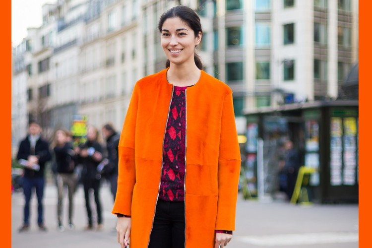 Cara Mengenakan Warna Orange agar Nggak Kelihatan Norak