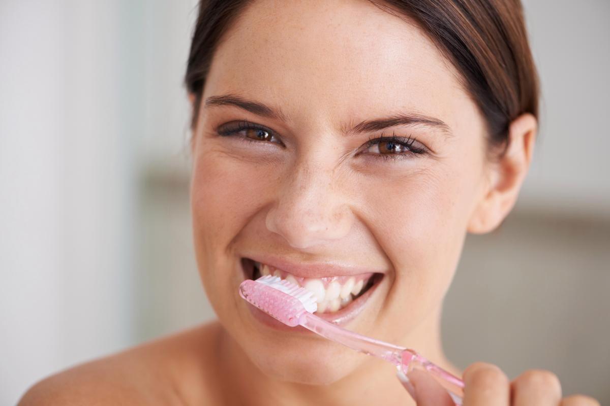 Ini 5 Cara Mudah yang Dapat Mengatasi Bau Mulut dalam Sekejap