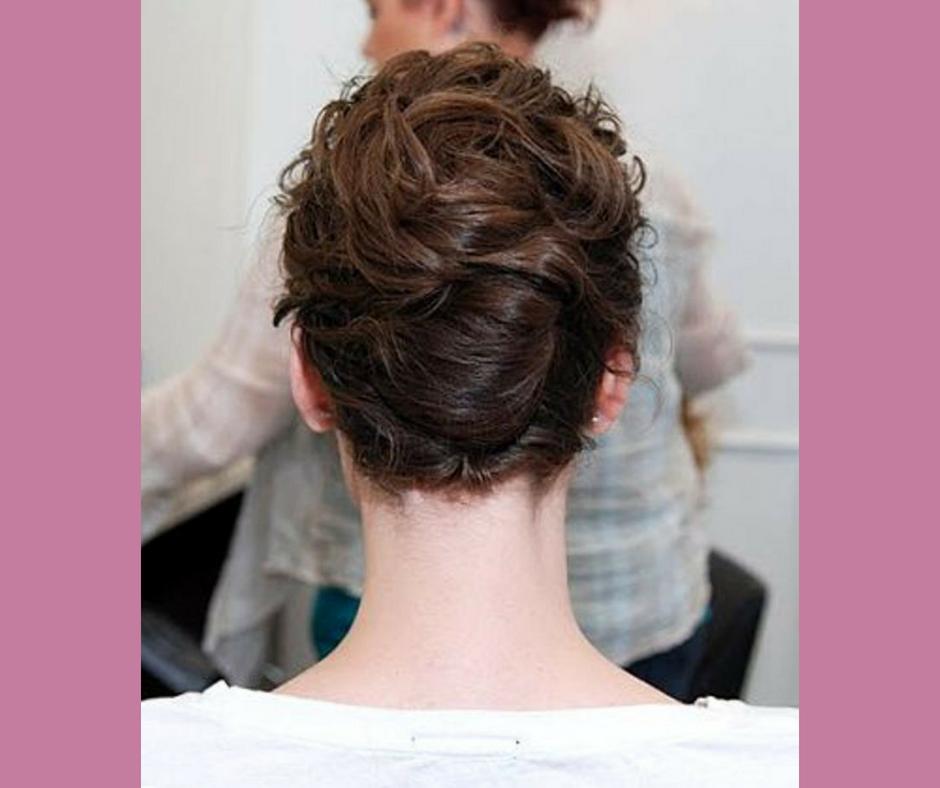 Mudah dan Simpel! Ini 7 Gaya yang Cocok untuk Si Rambut Keriting