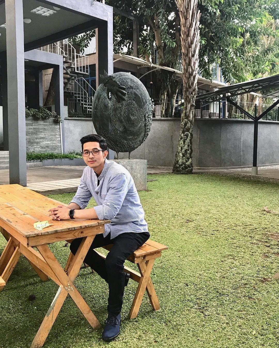 Aditya Surya, Dokter Muda yang Multitalenta