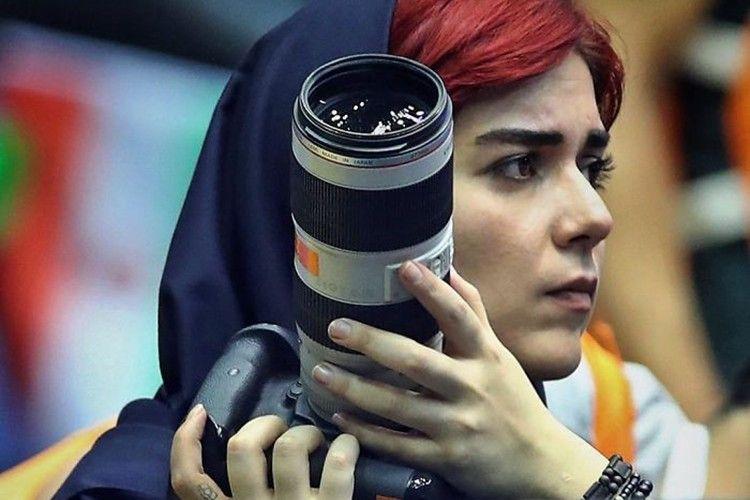 Fotografer Perempuan Dilarang Masuk Stadion, Lihat Cara Pembalasannya