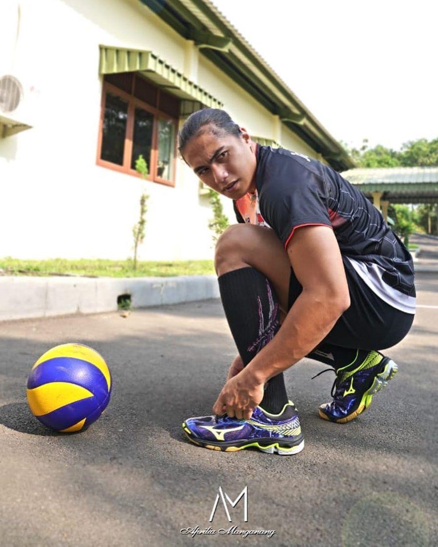 Aprilia Manganang, Atlet Voli Berprestasi yang Penuh Kontroversi
