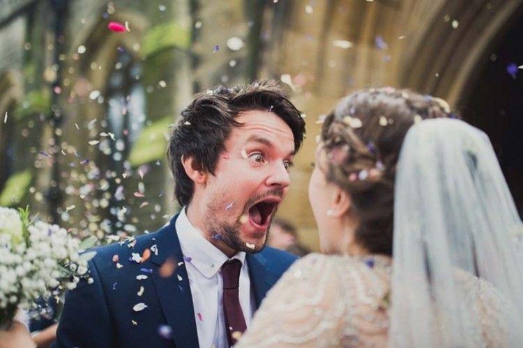 Lucu Banget! 11 Foto Pernikahan Ini Ungkap Kejadian yang Nggak Terduga