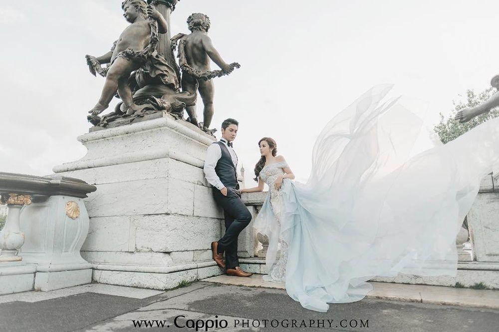 Cari Spot yang Indah, 5 Artis Ini Foto Pre-Wedding di Luar Negeri