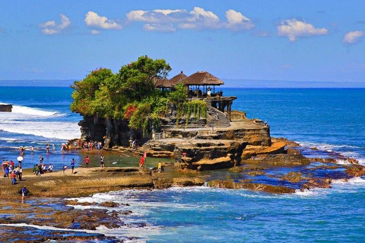 7 Objek Wisata di Indonesia yang Kental dengan Mitos Putus Cinta