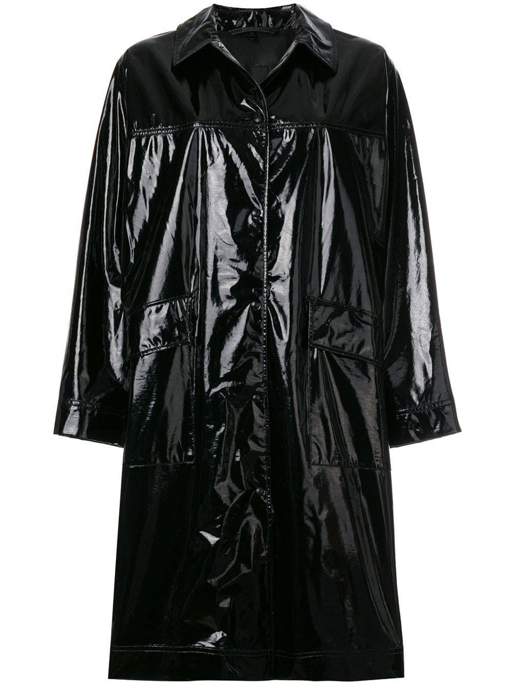 #PopbelaOOTD: Berani Pakai Outer Plastik?!