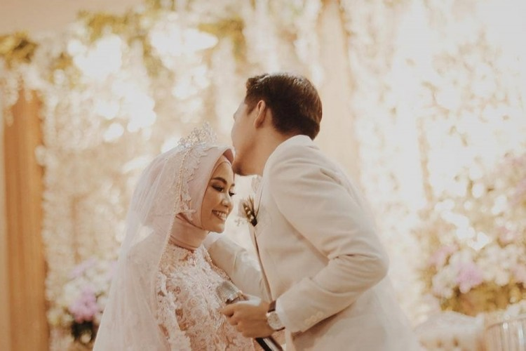 Menikah Lewat Ta'aruf, Begini Perjalanan Cinta Anisa Rahma dan Dito