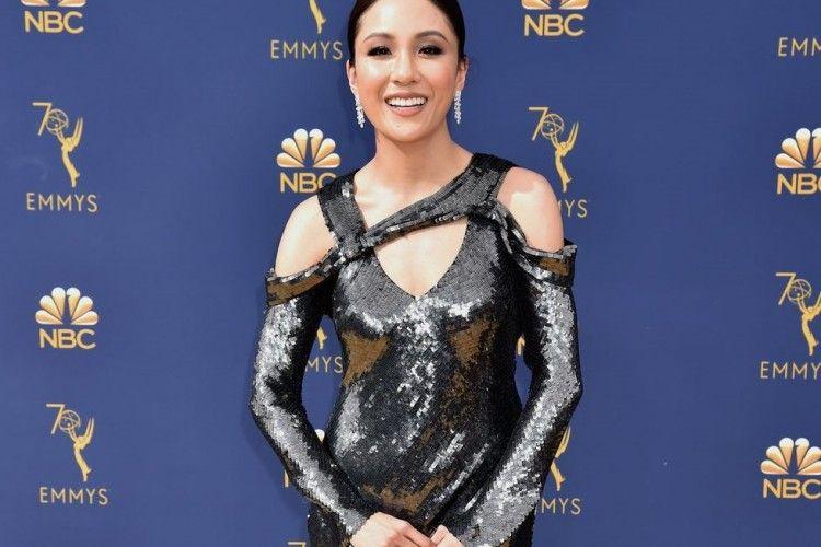 11 Busana Paling Menawan di Karpet Merah Emmy Awards 2018