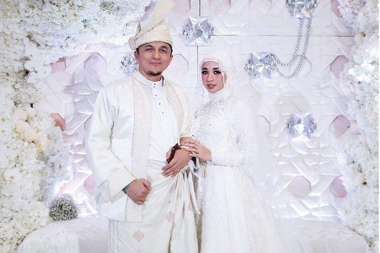 5 Gaun Pengantin Muslimah Modern Simple Ala Selebriti